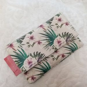 NWT Kelly & Katie Tropical Convertible Clutch